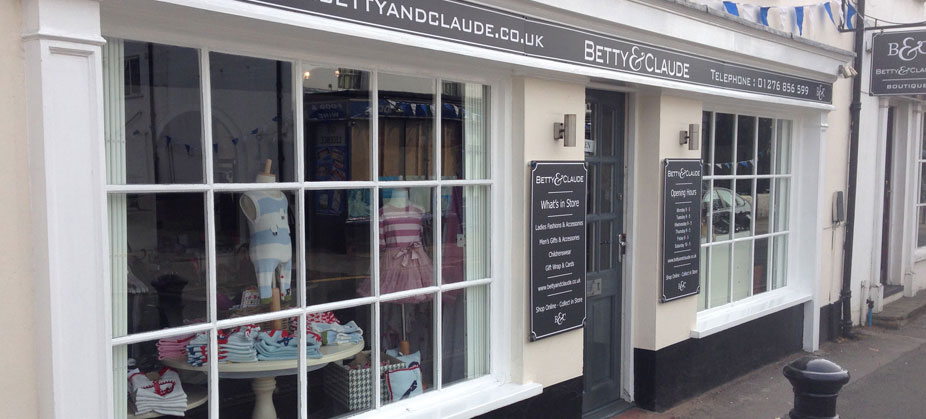 Bricks and Mortar retail outlet selling online with ecommerce website